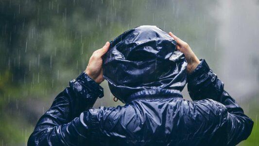 Hur skyddar man sig mot regn?